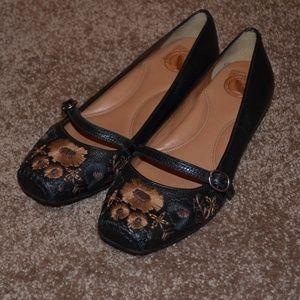 Nurture Black Floral Bloom Mary Jane Shoe 6M NWT!